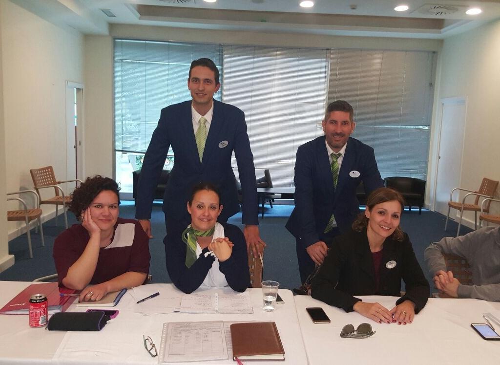 ALEMÁN AVANZADO PARA HOSTELERÍA CON EL HOTEL HOLIDAY PALACE